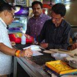 झरिया के दो मिठाई दुकान से खोवा और पनीर जब्त, होगी जाँच- SDM