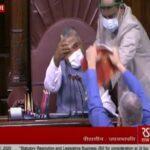 संसद में जबरदस्त हंगामा, TMC के डेरेक ओब्रायन ने रूल बुक फाड़ी, सांसदों ने माइक तोड़ा